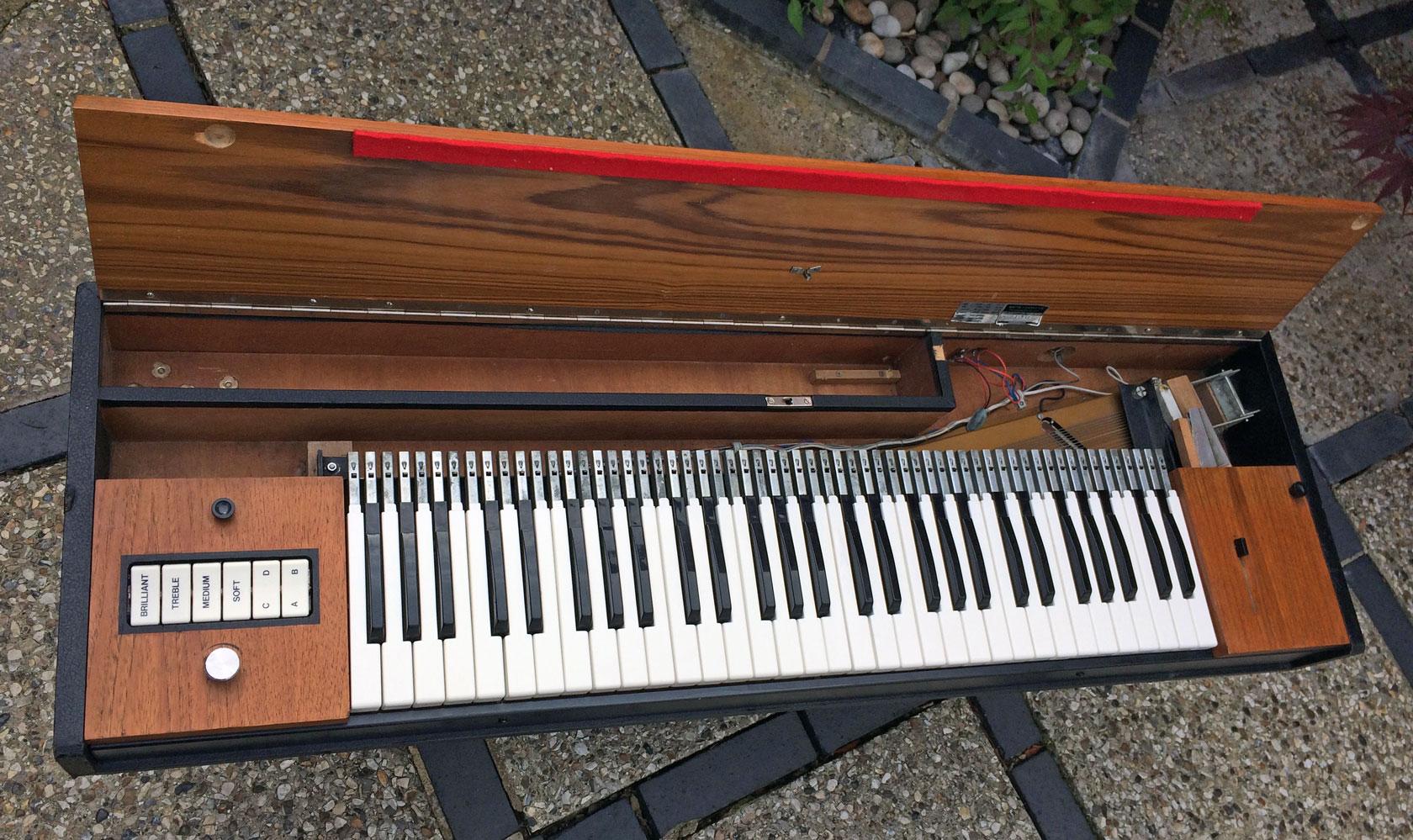hohner d6 clavinet rl music. Black Bedroom Furniture Sets. Home Design Ideas